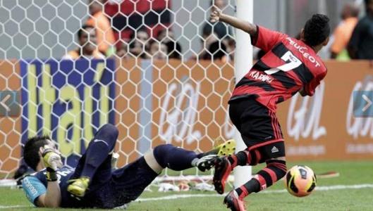 Rafinha perde gol / Foto: Agencia O Globo